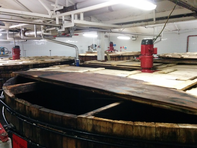 Bunnahabhain has 6 washbacks made from Oregon pine.