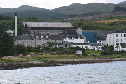 Isle of Jura distillery (Picture Credit: KierenMccarthy.co.uk)