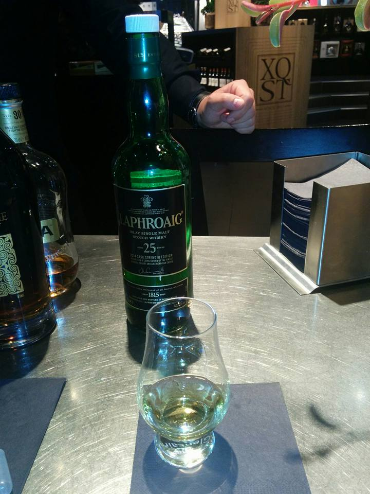 laphroaig-25-years-old-2014-cask-strength-edition