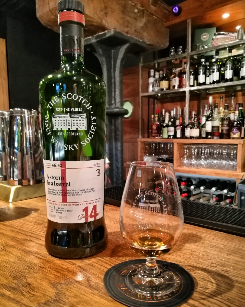 """The Wonderful World Of Nik E April 2009: Whisky Review #118: SMWS 46.52 """"A Storm In A Barrel"""